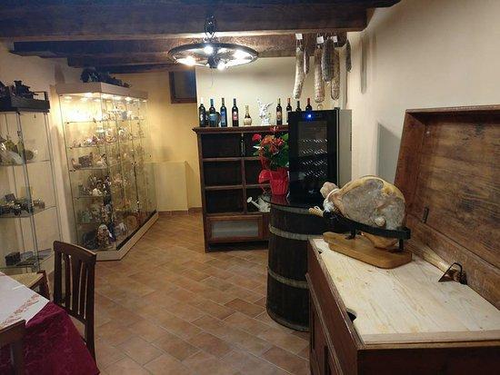 Sant'Angelo in Vado, Italie : La sale delle degustazioni