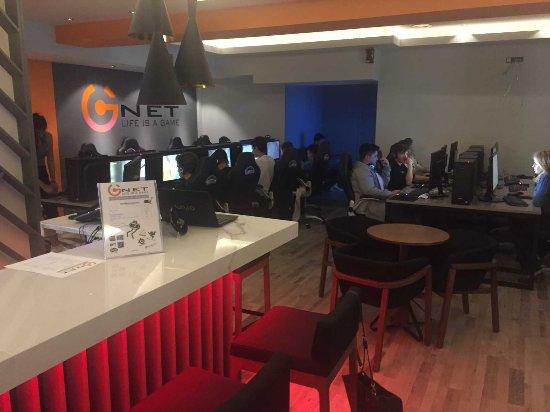 Gnet Ίντερνετ καφέ
