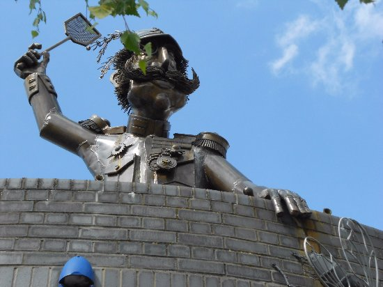 The Major Statue at Major's Corner