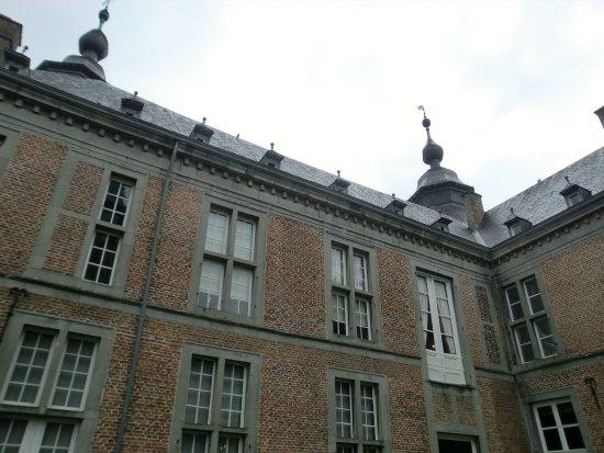 Chateau de Modave : 中庭の様子