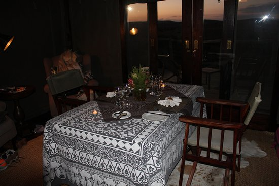 Amakhala Game Reserve, Sudáfrica: Our beautiful private dinner on our last night of honeymoon