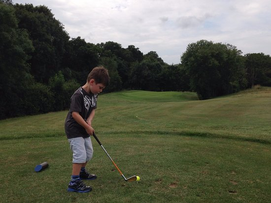 Burgess Hill, UK: Golf Lessons for all ages