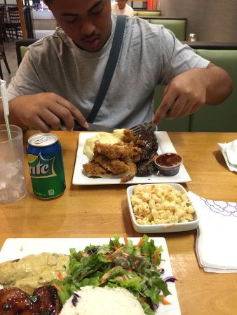 National Park of American Samoa, American Samoa: Mix Plate w/ side of Mac&Cheese