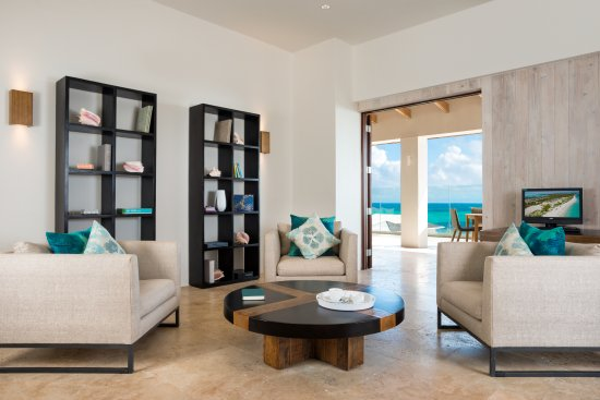 South Caicos: Sailrock Resort - Great House - Library