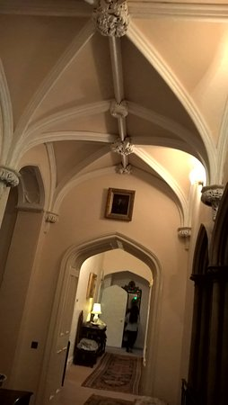 Duns, UK: The corridor to our room. Amazing!