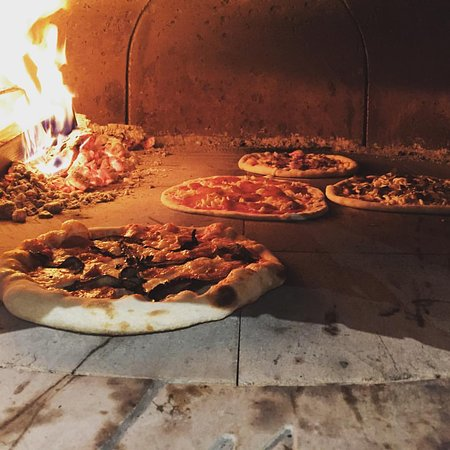 Gig Harbor, WA: wood fired pizza