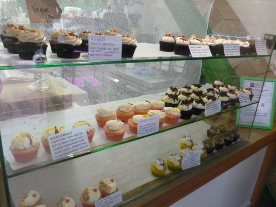 Cup and Cake: Selection of fresh cup cakes