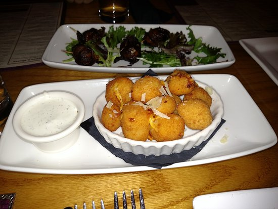 Buck & Honey's Sun Prairie WI - Ahi App & Sassy Curds