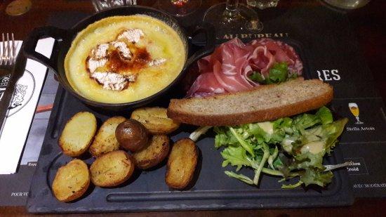 La Garde, Francia: Camembert rôti
