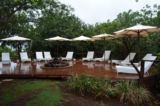 Pongola, Sudáfrica: pool deck and boma