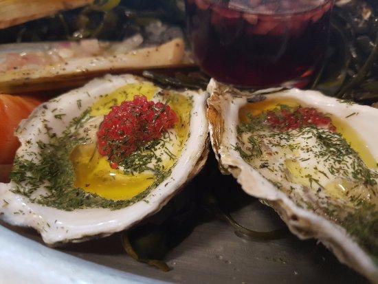 Villeneuve-les-Avignon, Frankrike: huîtres marinées