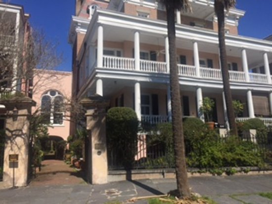 Battery Carriage House Inn: Antebellum South at its finest