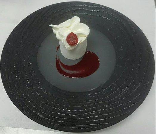 Saint-Avold, Francia: Forêt blanche , délicieux dessert