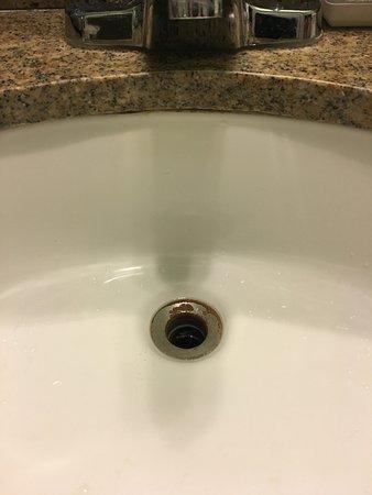 Ojai, CA: No Stopper/Rusty Sink
