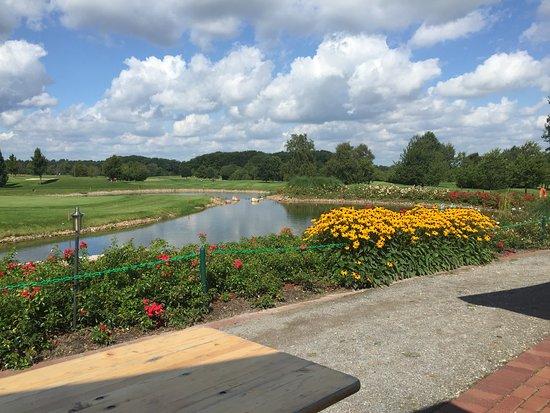 Syke, Almanya: Blick von der Terrasse auf Loch 18