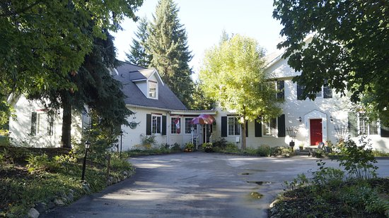 Salmon Arm, Canadá: The Inn entrance