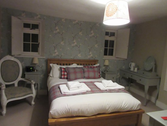 Tisbury, UK: Lovely room with comfy bed
