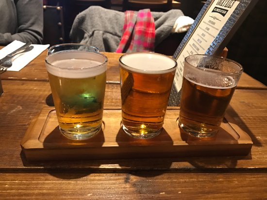 Bonnyrigg, UK: Flight of beer is a choice if you want to try a few!