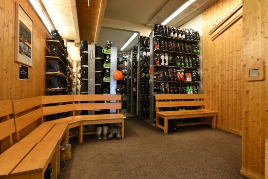 Manigod, France: Location chaussure