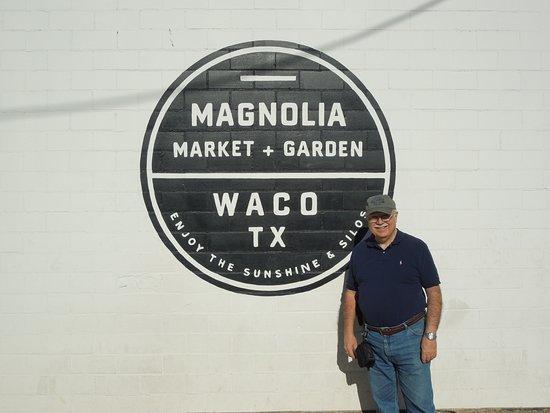 Waco, TX: Outside of Magnolia Market