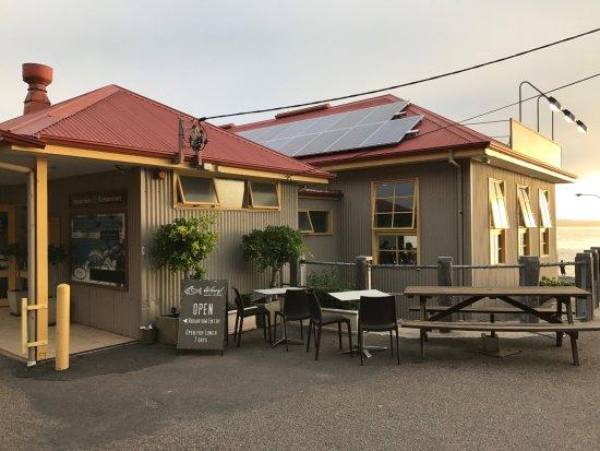 Merimbula, Australia: Wharf restaurant outside