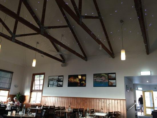 Merimbula, Australia: Wharf restaurant inside