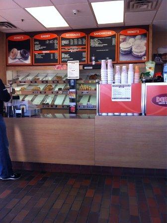 เมดฟอร์ด, แมสซาชูเซตส์: Coffee Donuts All Good