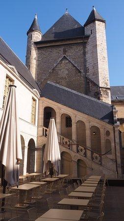 Ducal Palace: La cour