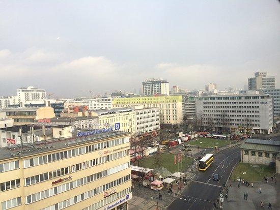 LeBuffet Berlin KaDeWe: Вид из окна.