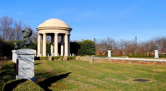 Bedford, فيرجينيا: Garden