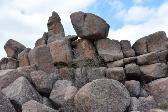 Enchanted Rock State Natural Area: On the trail 4