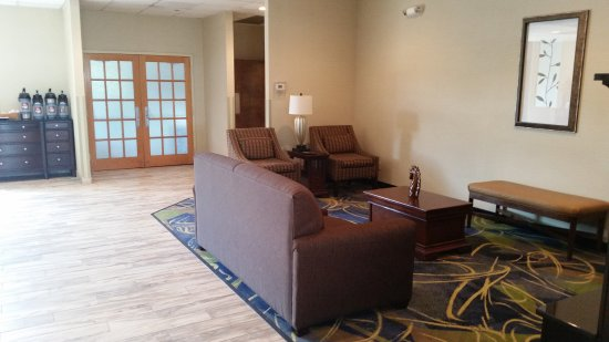 Best Western Leesburg Hotel & Conference Center: Lobby at BW Leesburg
