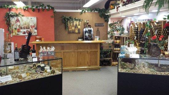 West Branch, MI: View of wine tasting area
