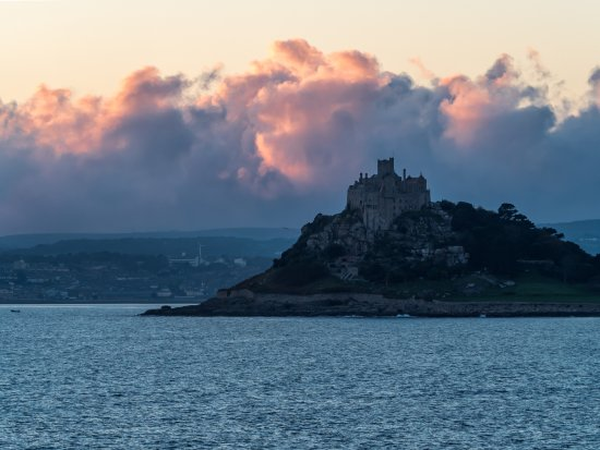 Marazion, UK: Sunset over the mount