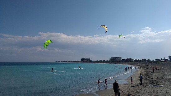 Fort Pierce, FL: Kiteboarders