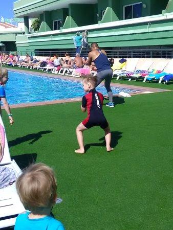 Hotel Villa de Adeje Beach: Carlos and aerobics session/