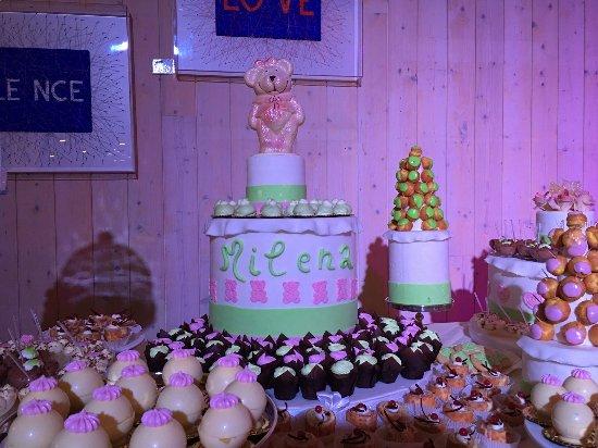 Buffet Di Dolci Battesimo : Villa palermo confettata i dragees la torta di confetti i