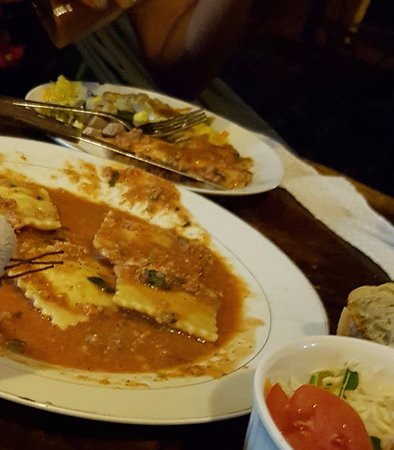 Balgue, Nicaragua: the ravioli is delicious!