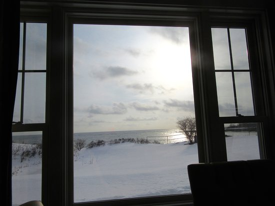 York Harbor, ME: View from the dining room in winter