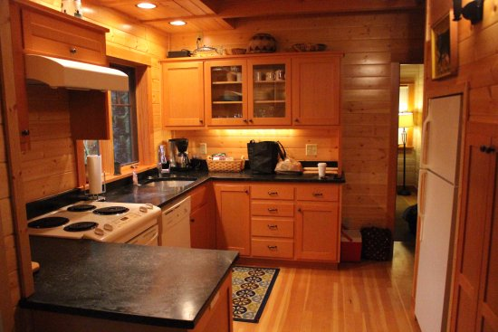 Blue River, OR: Belknap Cabin, kitchen