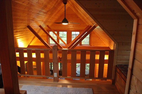 Blue River, OR: Belknap Cabin, loft area.
