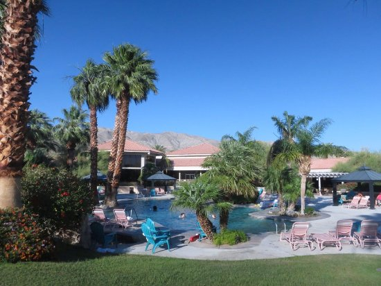 Miracle Springs Resort and Spa: The pools & grounds