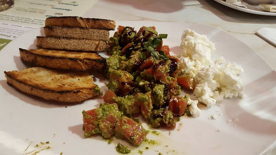Rockville, MD: Pesto Goat Cheese Bruschetta