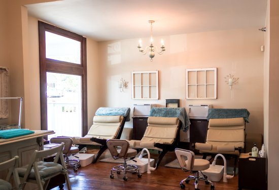 Canton, Τζόρτζια: Our relaxing nail room.