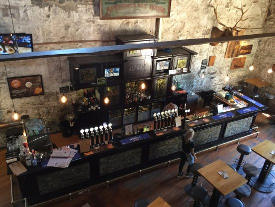 Timaru, New Zealand: Speight's Ale House bar