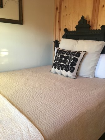 Serenity Farmhouse Inn