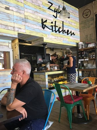 Cleveland, Australia: The Counter and inside seating area