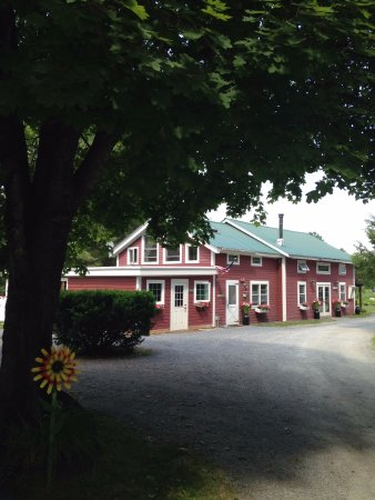 West Halifax, VT: Meadow house check in