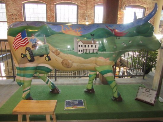 Columbia, PA: Painted cow on display before entering main exhibit area.
