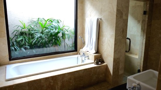 Grand La Villais Villa and Spa Seminyak: Part of bathroom